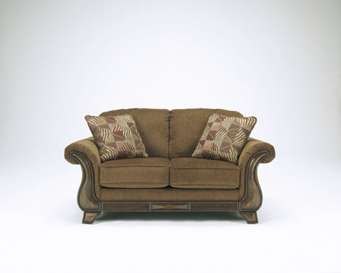 Montgomery Loveseat great value, great price.