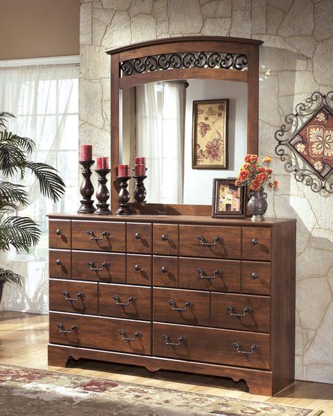 Timberline Dresser and Mirror great value, great price.